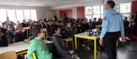 Les 5ès du collège Interparoissial informés sur les risques liés à Internet
